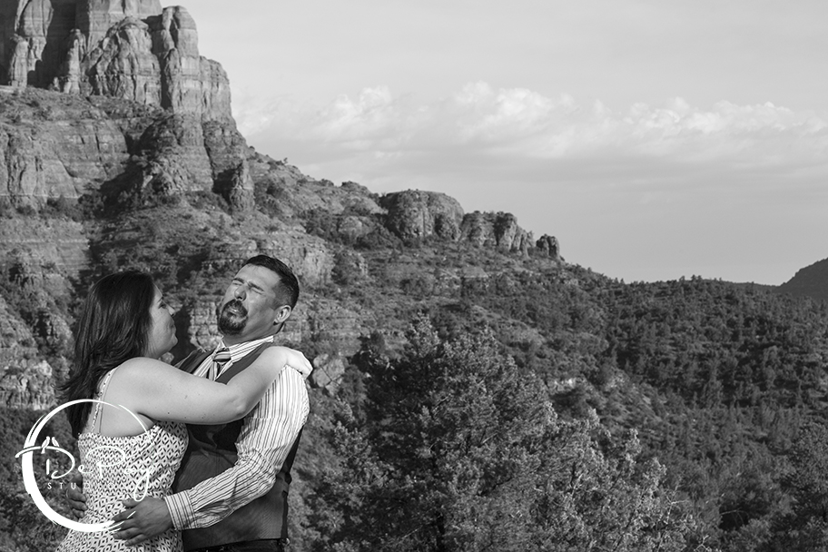 Sedona Engagement Photographer08